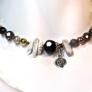 Jewelry - Handmade Necklace Vintage and Modern Beads (N05)